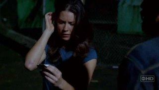 """""""Hurley quiere ayudar a Charlie, pero es demasiado grande"""""""
